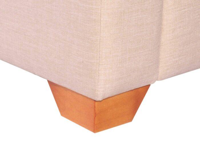 Sofa Seccional Monaco Chaise Longue Intercambiable Bariloche Arena pata de madera