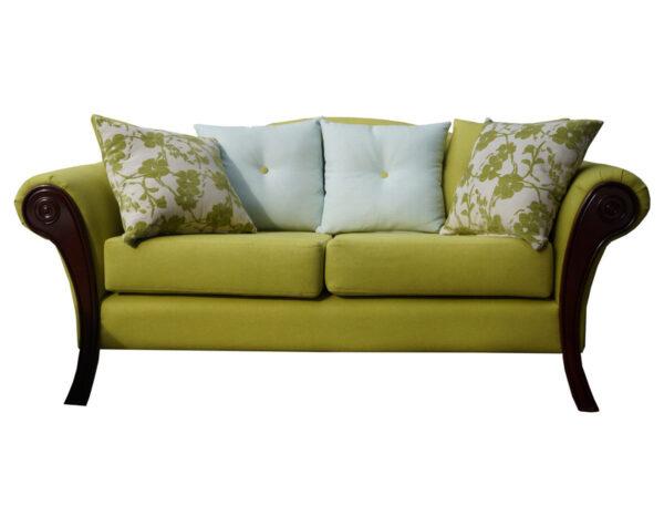 Retapizado de sofá de estilo clásico con frente de madera