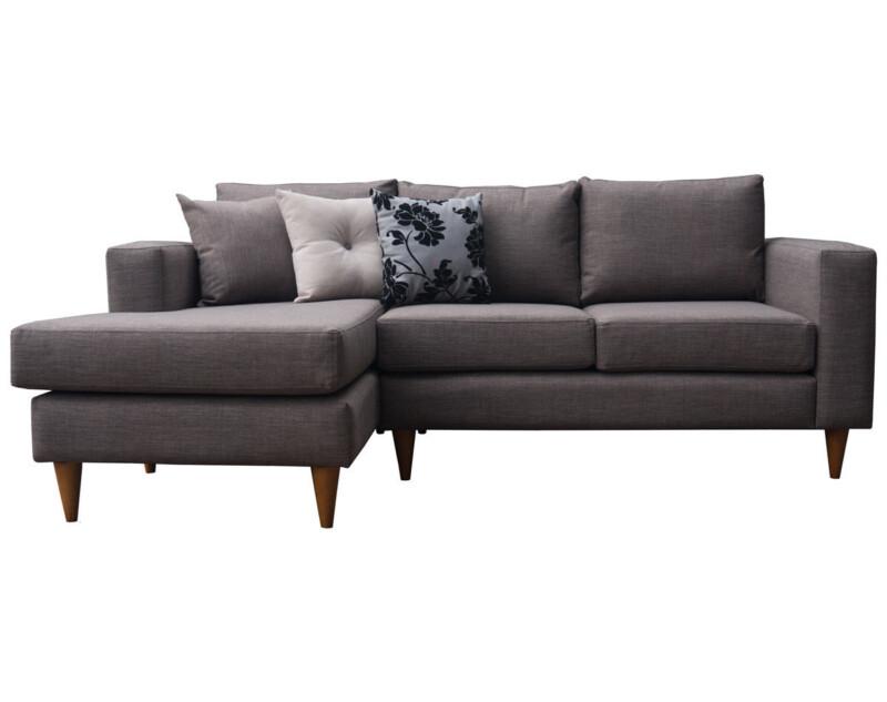 Sofá seccional personalizado con patas cónicas