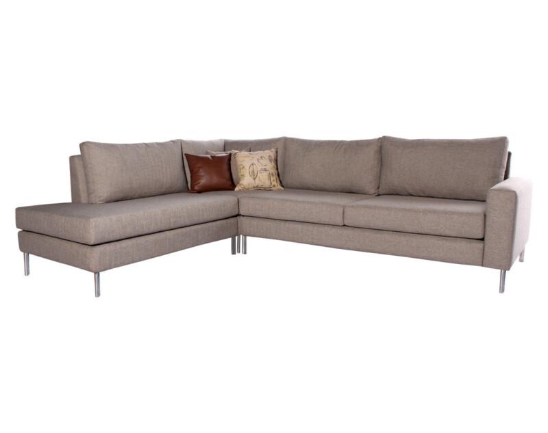 Sofa seccional izquierdo Inside antimanchas arena personalizado con patas metalicas iso