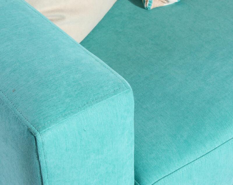 Sofa tres cuerpos especial Mecha turquesa personalizado lineas rectas