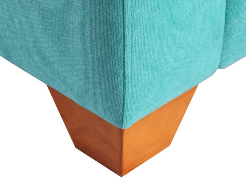 Sofa tres cuerpos especial Mecha turquesa personalizado patas de madera color miel
