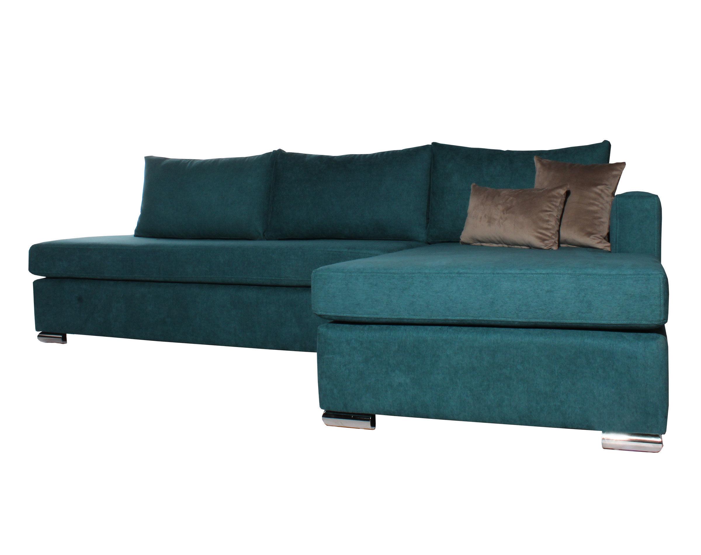 sofá con patas metálicas