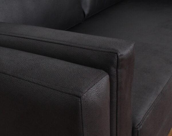 sofa 2c cuero negro zocalo metalico 033